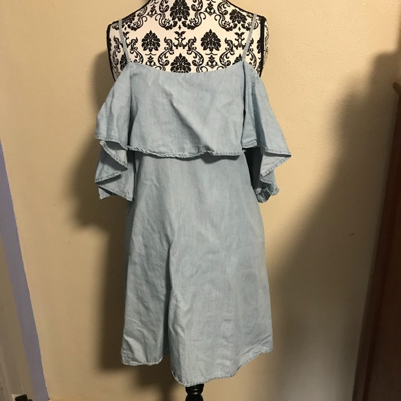 Romeo & Juliet Couture Tops - Romeo and Juliet Couture Chambray Tunic
